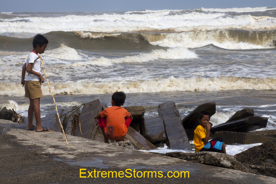Aparri Philippines  city images : Surfs up Aparri, Philippines Typhoon Lupit is out there !!!